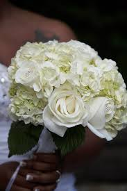 hydrangea wedding bouquet wedding flower ideas for outdoor weddings