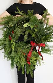 Holiday Wreath Diy Holiday Wreath Gift With Fiskars Classy Clutter