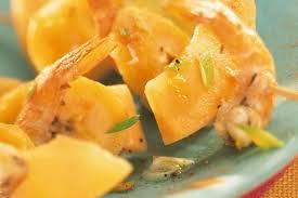 cuisiner la banane plantain recette de brochettes de melon philibon banane plantain et gambas