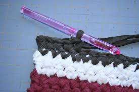 Crochet Rugs With Fabric Strips How To Crochet Rag Rugs