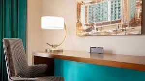 Hilton Diamond Desk The American Hotel Atlanta Downtown A Doubletree By Hilton Near Gwcc