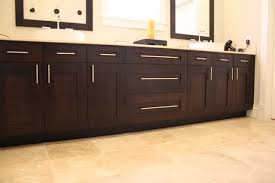 Handles For Kitchen Cabinets I M Thinking Of Getting A Few Bar Pulls For My Kitchen Cabinet