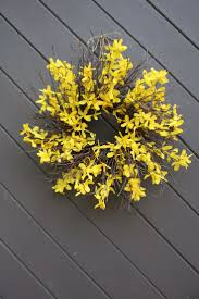 best 25 forsythia wreath ideas on pinterest diy spring wreath