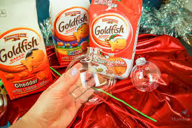 a simple goldfish filled ornament in 10 minutes