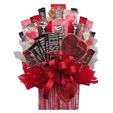 anniversary gift basket anniversary gifts from myfastbasket anniversary roses wine