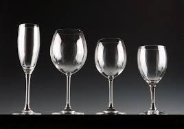 bicchieri bianchi e neri la lavastoviglie lascia i bicchieri opachi riparodasolo