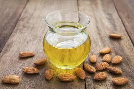 Minyak Almond dan manfaat minyak almond untuk memerahkan bibir perokok
