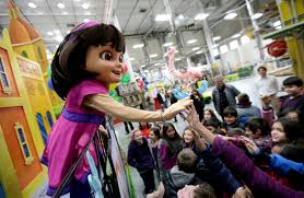 photos macy s thanksgiving day parade preps kmit 105 9 fm