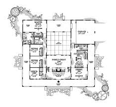 style home plans with courtyard u shaped house plan with courtyard pinteres