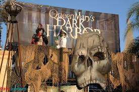 queen mary u0027s dark harbor a must see this halloween season