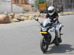 cbr 150r black colour price 2012 honda cbr150r premium sports motorcycle reader road test and