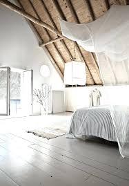 deco chambre sous comble amenagement chambre sous comble chambre sous combles avec baignoire