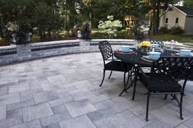 Unilock Michigan Umbriano Paver Patio With Brussels Dimensional Wall By Unilock