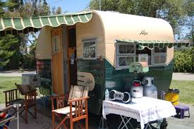 vintage aljoa trailer pictures and history from oldtrailer com restored vintage 1955 aljoa travel trailer painted green and white with striped awnings