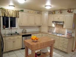 How To Distress Kitchen Cabinets by Antique White Kitchen Cabinets Back To The Past In Modern