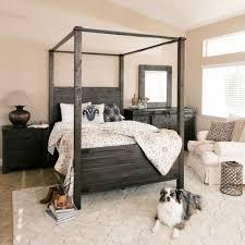 Cele Mai Bune  De Idei Despre Canopy Bedroom Sets Pe Pinterest - Black canopy bedroom furniture sets