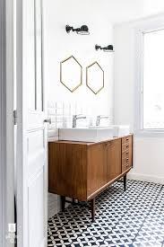 Contemporary Bathroom Vanities by Best 25 Modern Bathroom Lighting Ideas On Pinterest Modern