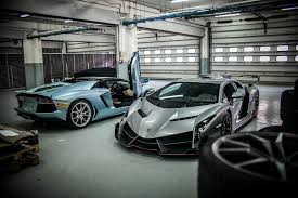 crashed lamborghini veneno dec 07 14 u2013 lamborghini veneno lp750 4 and blue aventador lp700 4