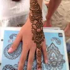 hire the henna hut henna tattoo artist in penticton british