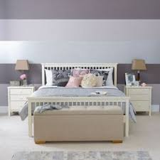 how to paint vertical stripes on the wall same color but one