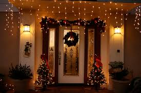 christmas decoration christmas door decorating idea home living now 13981