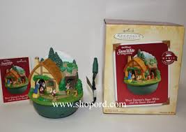 hallmark 2004 walt disney snow white and the seven dwarfs ornament