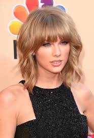 taylor swift lob haircut how taylor swift rocks her lob in 4 ways admire her beauty and get the