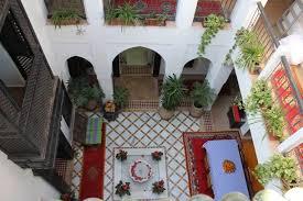 decoration jardin marocain créer une terrasse d u0027inspiration marocaine détente jardin