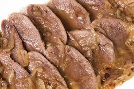 comment cuisiner une langue de boeuf recette langue de bœuf aux oignons