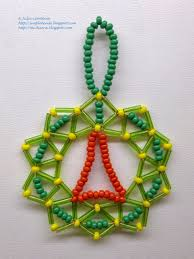 small christmas wreath of seed beads bugle beads and wire free