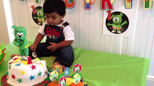 noah with gummy bear cake youtube