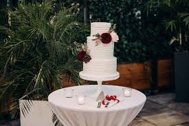 wedding cake ottawa a three tier cake in buttercream wedding cake decorated with fresh