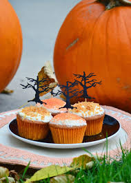 halloween cupcakes from indigo kitchen mix stripes and vibes