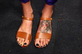 foot tattoo aftercare question what does a tattoo allergy look like here s what to look for how