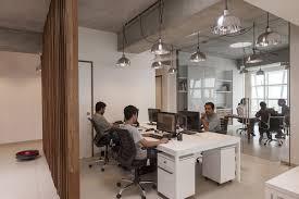 bureau d architecture bureau agence de jour mondeal square ahmedabad inde blocher