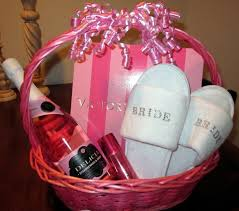bridal shower basket ideas wedding shower gift ideas azcupcakesbydesign