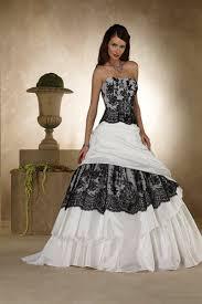 brautkleid schwarz weiss ausgefallene brautkleider für eine einzigartige hochzeit