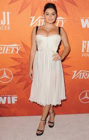 ariel winter rocks cleavage baring dress at pre emmys party after