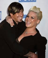 carey hart hair pink and carey hart s cutest pictures popsugar celebrity