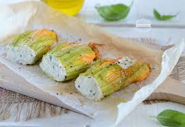 ricette con fiori di zucchina al forno fiori di zucca e ricotta al forno ricetta veloce