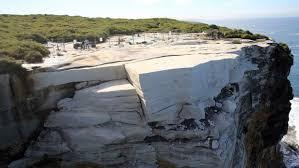 wedding cake rock wedding cake rock closed sydney coast walks