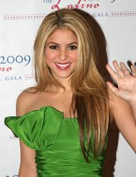 shakira long hairstyles shakira hair stylebistro