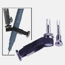 matériel de traçage et dessin technique compas règle et équerre