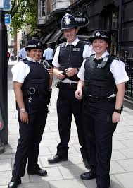 file very friendly mps officers in london jpg wikimedia commons