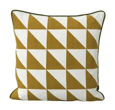 panier ferm living coussin large geometry coton 50 x 50 cm jaune u0026 blanc ferm