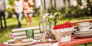 5 summer dinner party decoration ideas