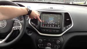 Jeep Cherokee Sport Interior 2014 Jeep Cherokee Interior Uconnect Bluetooth And Siriusxm