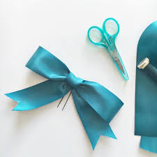 how to make hair bows how to make a ribbon hair bow the crafty mummy