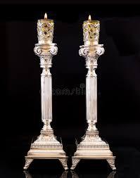 candelieri in argento candele di shabbat candelieri d argento con olio d oliva immagine