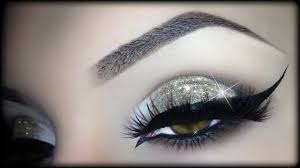 Eyeliner Halloween Makeup by Arabic Christmas Makeup Gold Glitter Elegant Cat Eyeliner